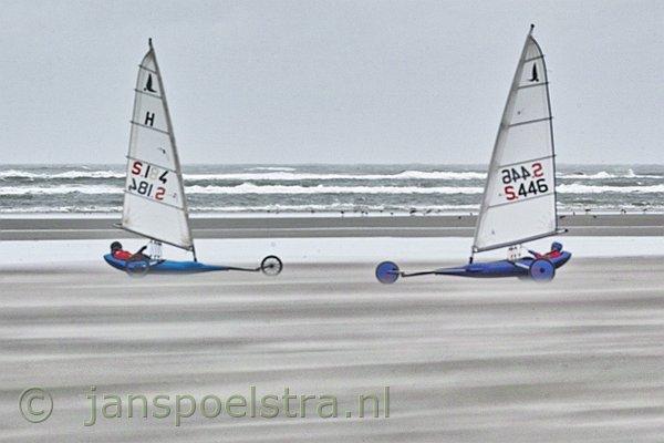 Voor fotografie op ameland: www.janspoelstra.nl